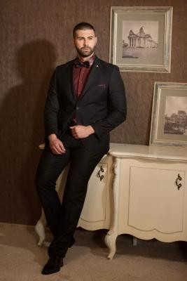 slim fit men suit.jpg