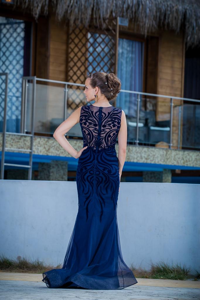 рокля Ариел гръб