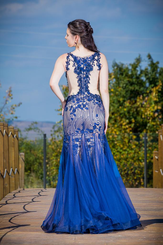 рокля Естел гръб
