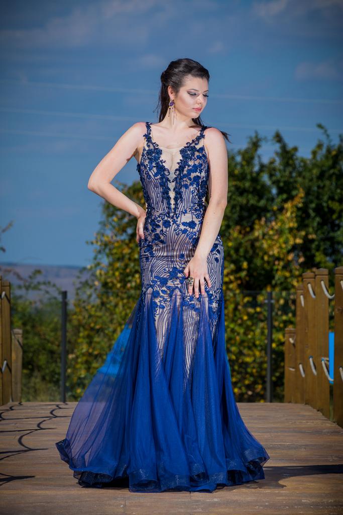 рокля Естел ляво