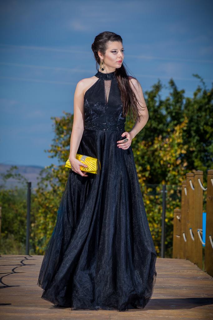 рокля Кристин лице