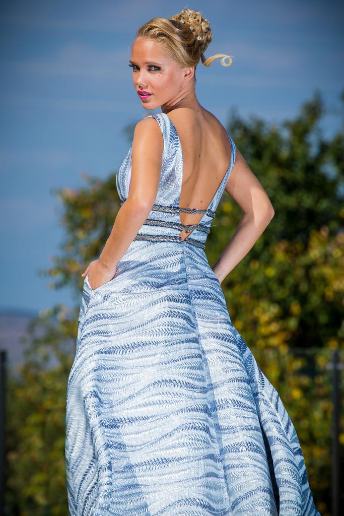 рокля Виктория гръб