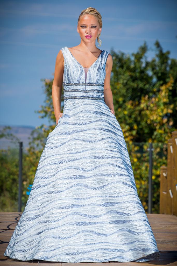 рокля Виктория лице