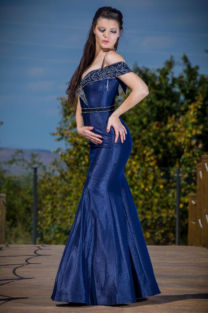рокля Диляна гръб