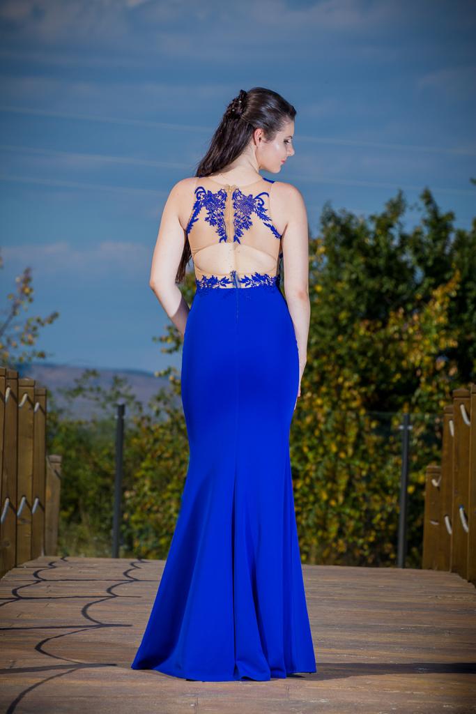 рокля Габриела гръб
