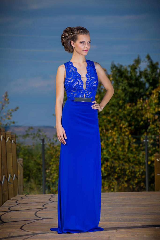 рокля Роза