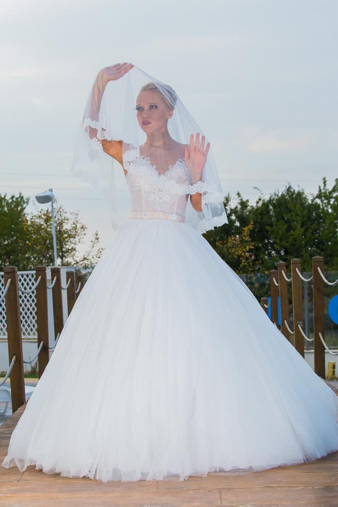 рокля Никол