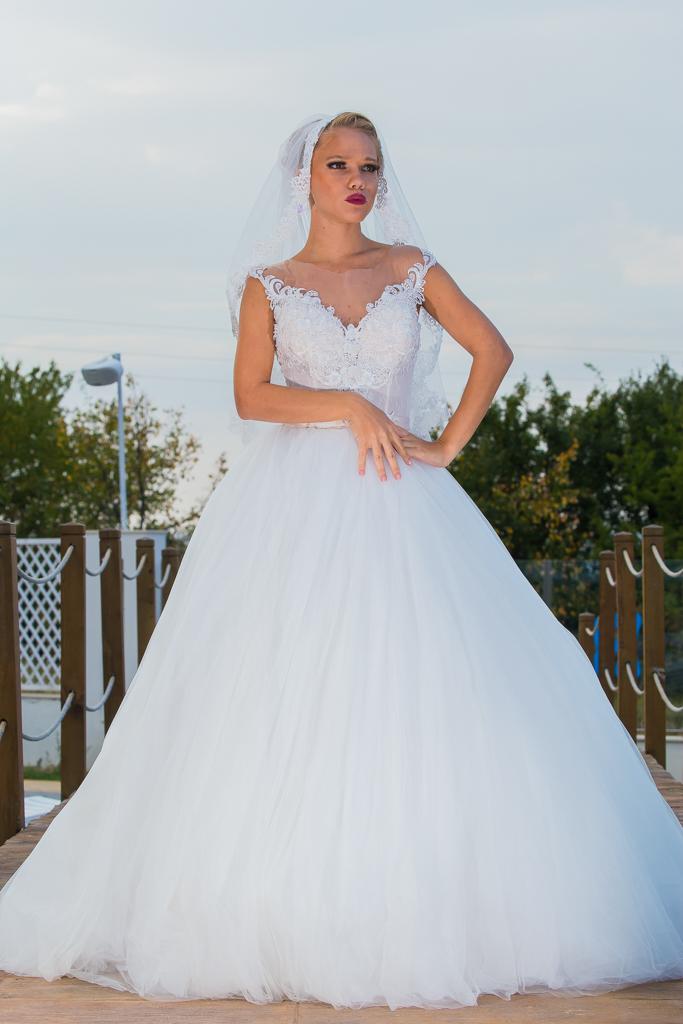 рокля Никол гръб