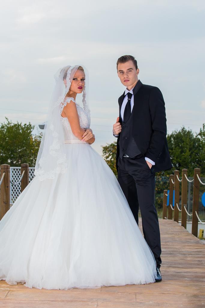 рокля Никол и костюм Мирослав