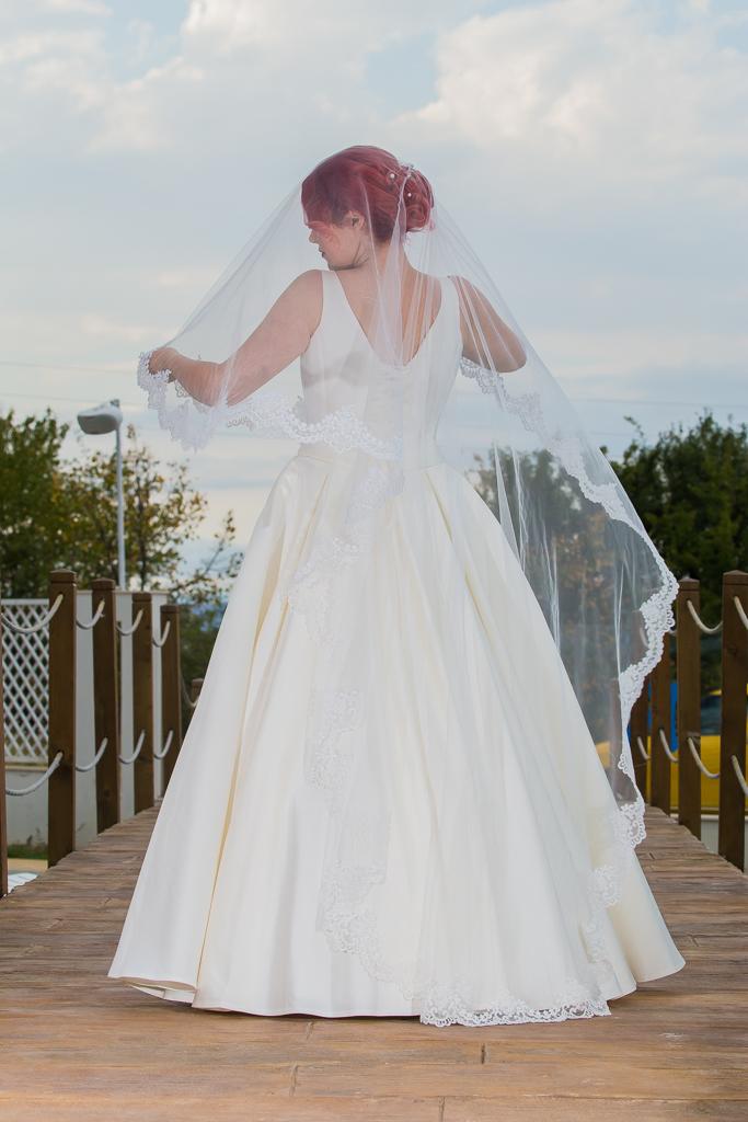 рокля Влентина гръб