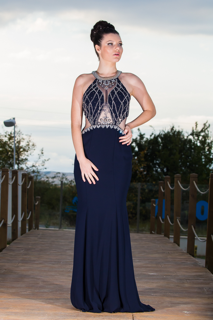 рокля Карън лице