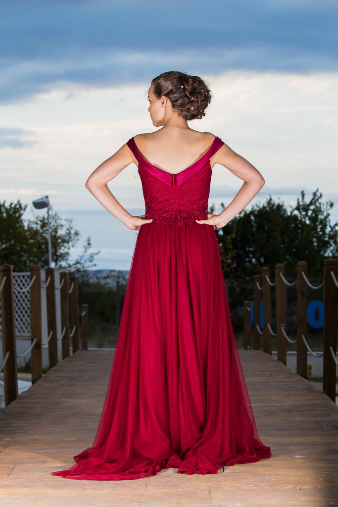 рокля Константина гръб