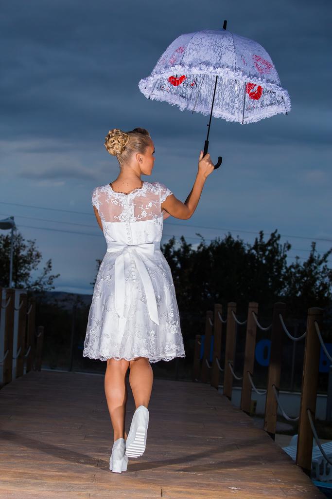 рокля Доротея гръб