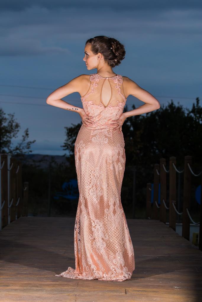 рокля Лариса гръб