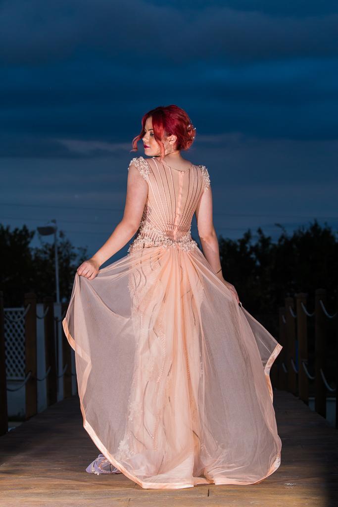 рокля Глория гръб