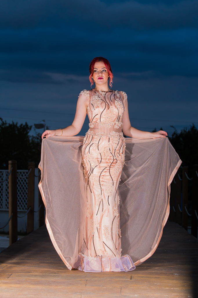 рокля Глория лице