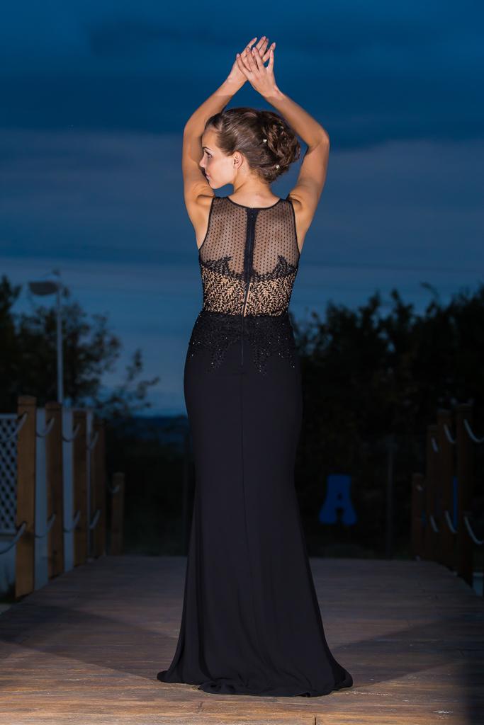 рокля Пенелопе гръб