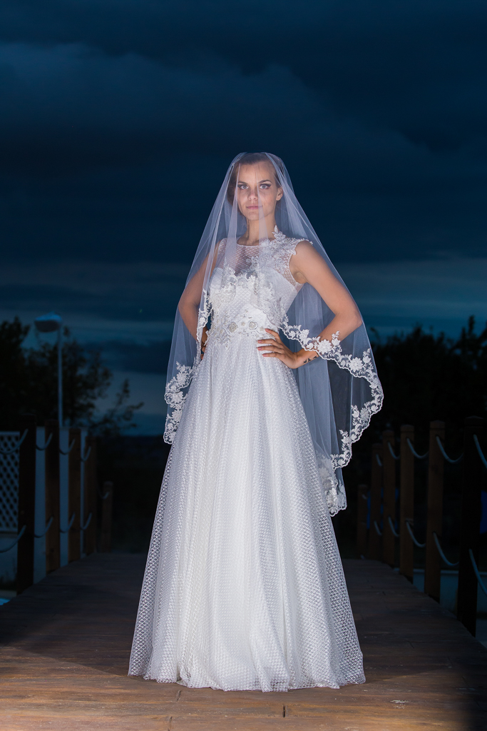 рокля Жана с воал