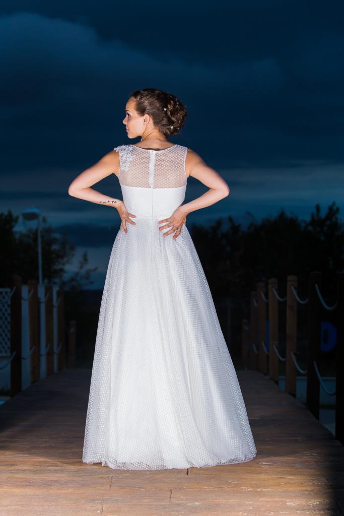 рокля Жана гръб