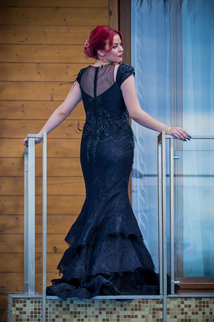 рокля Саня гръб