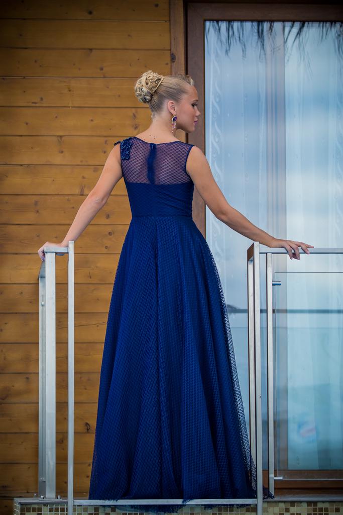 рокля Ема гръб