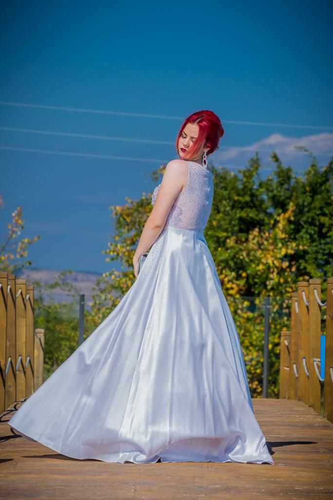 рокля Емануела гръб