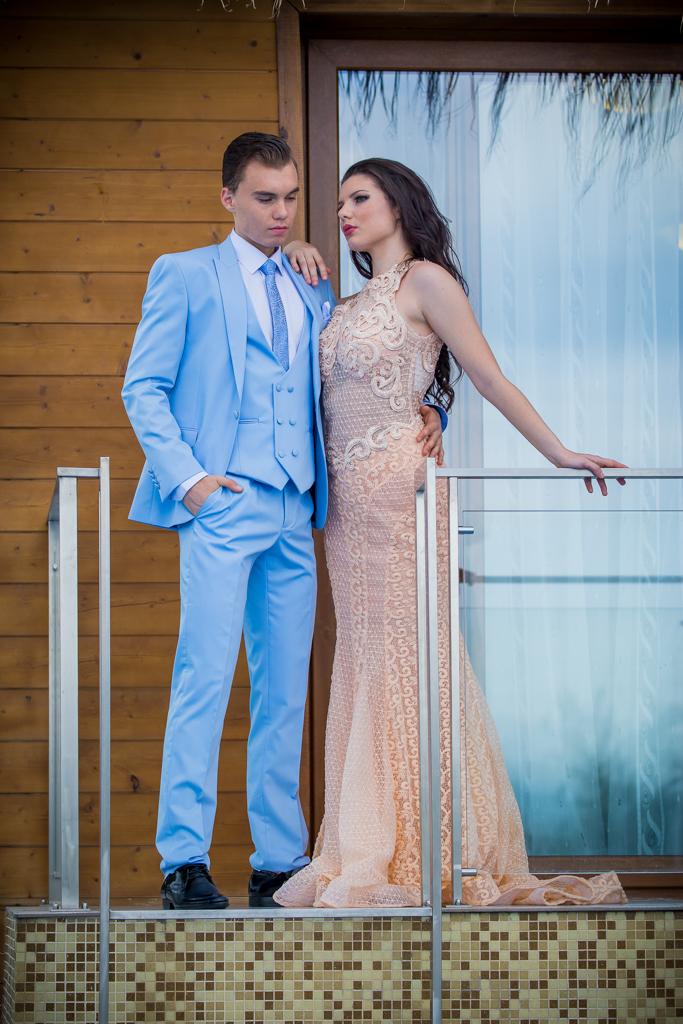 рокля Ерика и костюм Матео