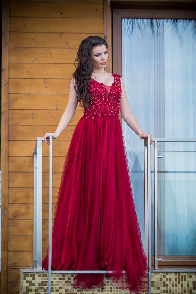 рокля Жаклин лице