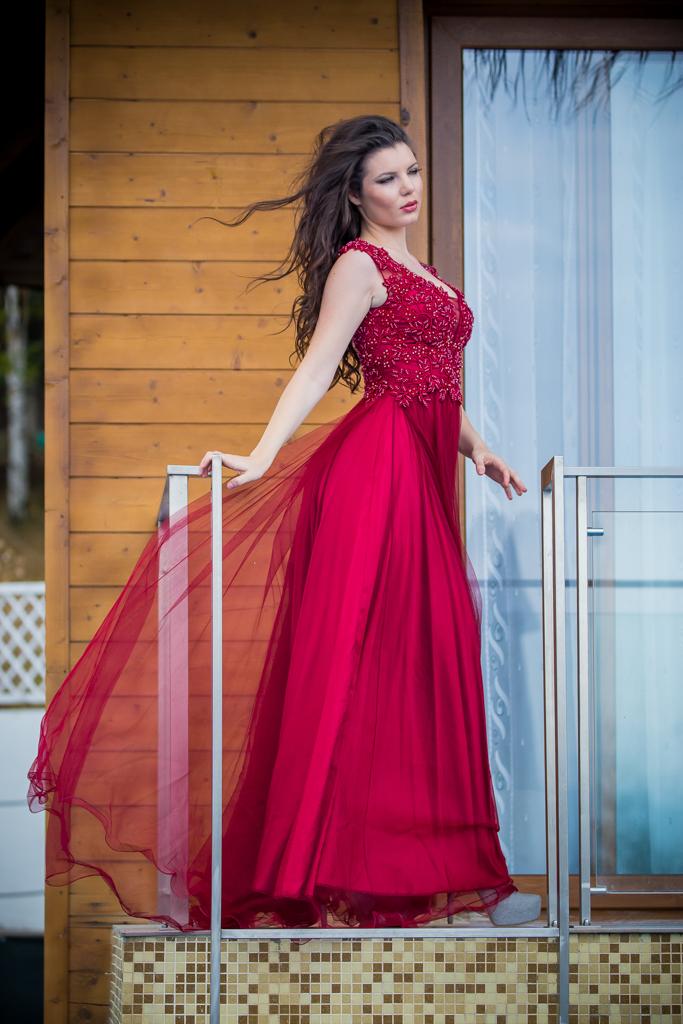 рокля Жаклин гръб