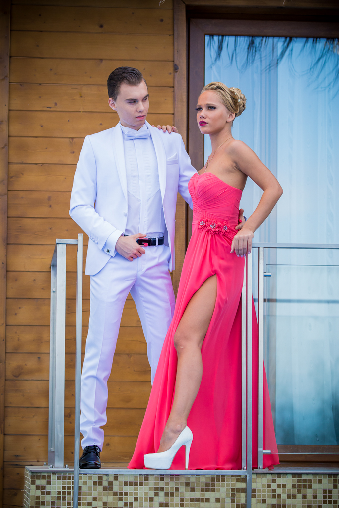 рокля Мерием и костюм Антонио