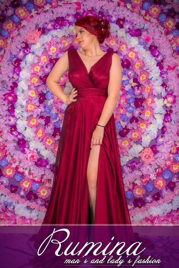 рокля Деси
